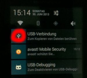 "Motorola Defy+ (MB526) CyanogenMod – Build updaten mit dem 'neuen' grafischen ""Team Win Recovery"""
