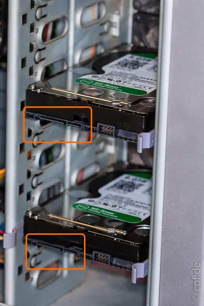 Wir bauen einen Computer – Einbau der Festplatten